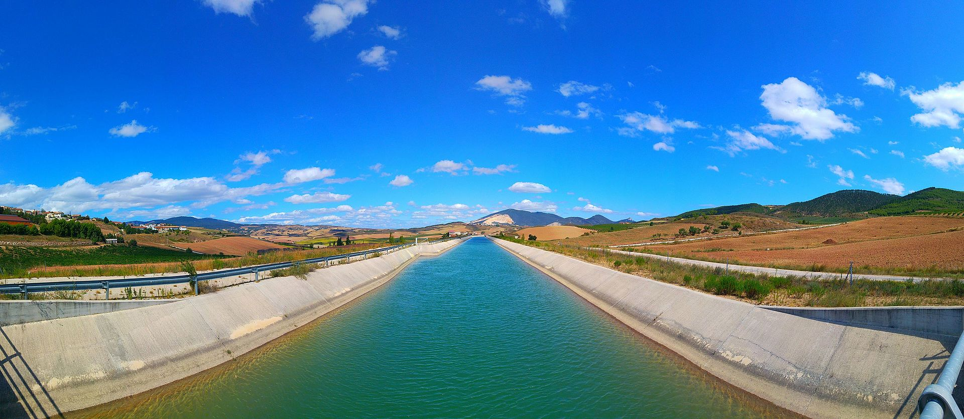 Canal in Spain may host 160 MW solar plant