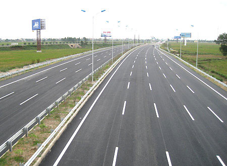 Progress being seen for Vietnam's North-South Expressway.