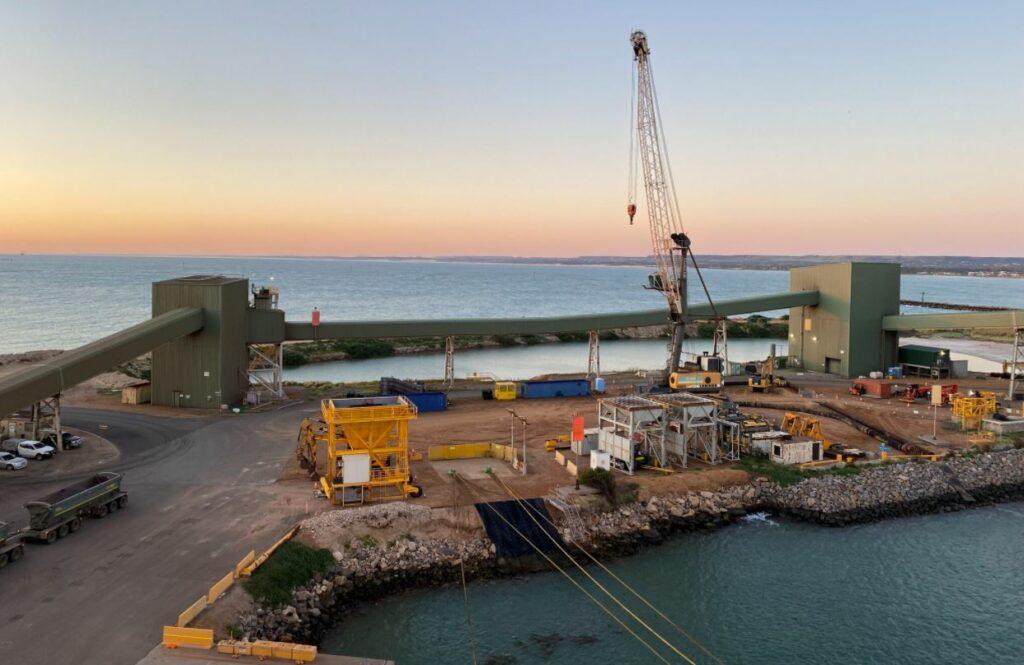 Geraldton maintenance dredging kicks off